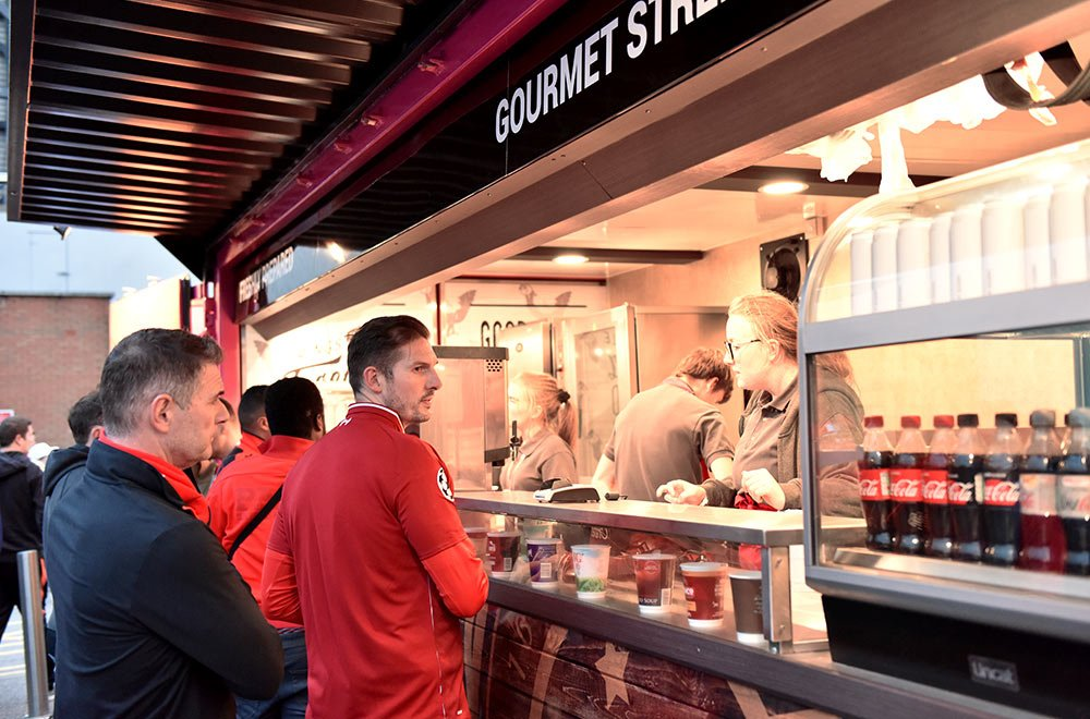 Custom-Builds---Liverpool-FC-Burger-Container---Internal